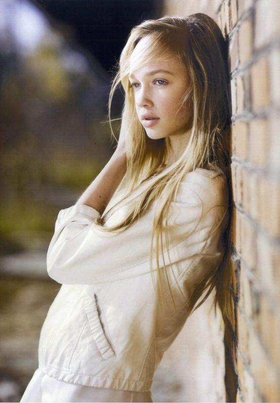 teen girl italian