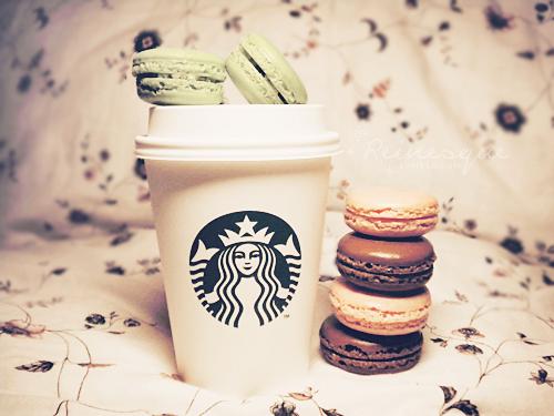 starbucks & macarons Koffie