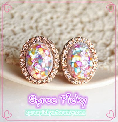 #spreepicky #earring #freeship   South Korean custom long color retention Super green genuine gold plated Product size: 1.7 * 2.5 cm  Material: alloy plated Swarovski Elements resin