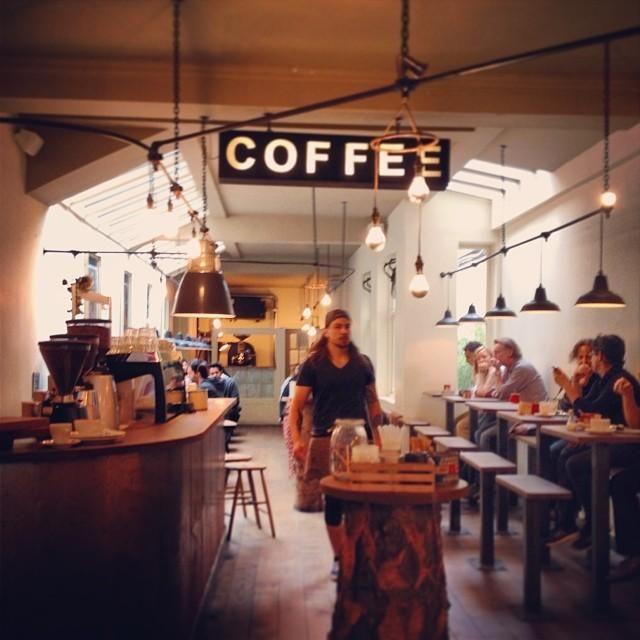 TAP Coffee No. 193 - Soho에서 커피숍일에서의 사진