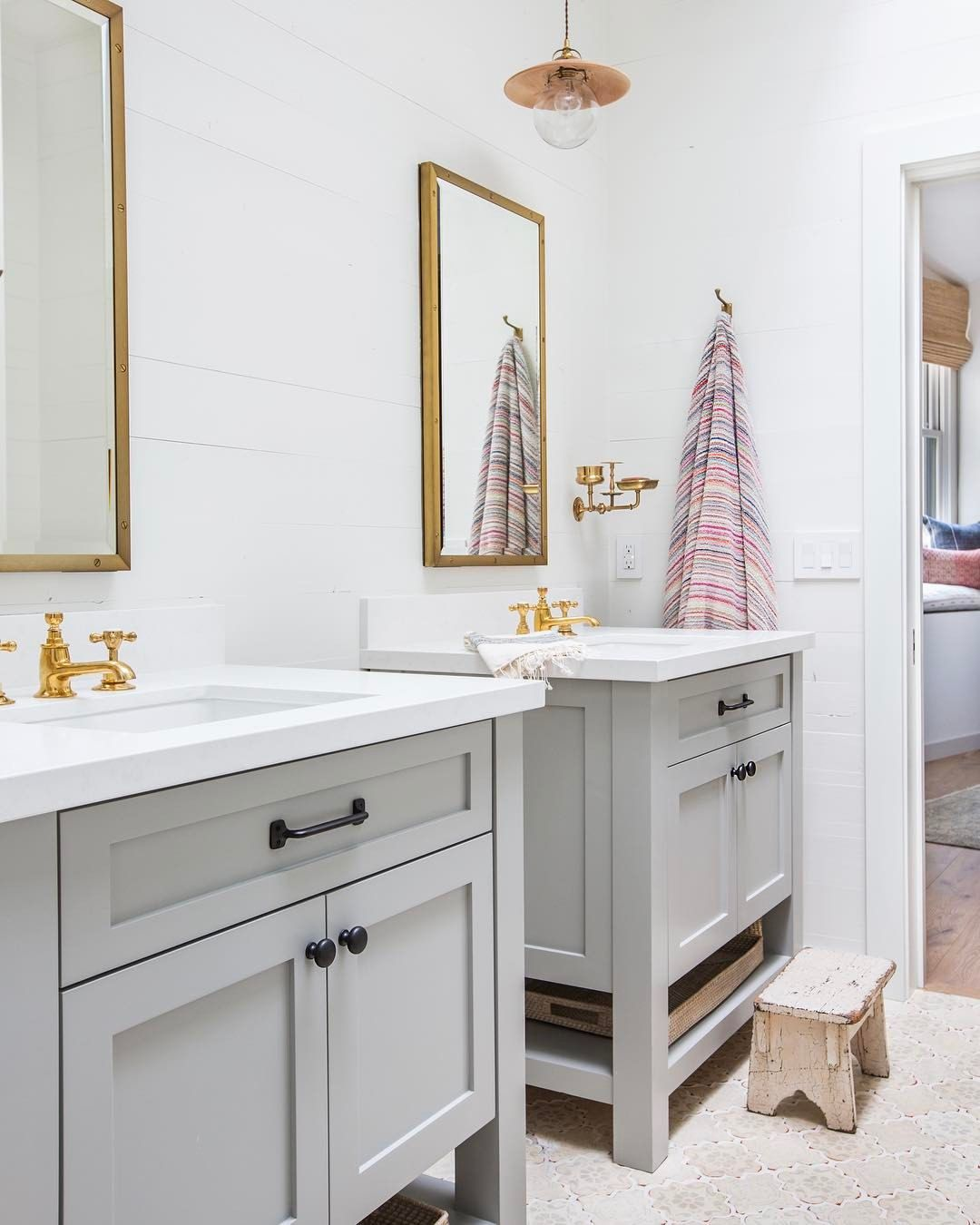 4 731 Likes 63 Comments Amber Lewis Amberinteriors On Instagram Such A Cute Little Jack And Jil Bathroom Kids Jack And Jill Bathroom Bathrooms Remodel