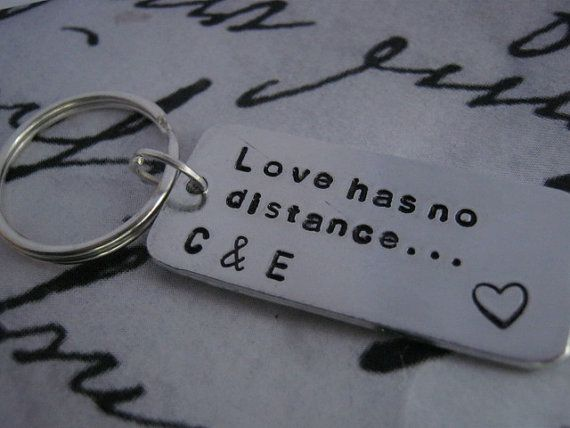 father 39 s day gift boyfriend girlfriend gifts love has no distance personalized keychain. Black Bedroom Furniture Sets. Home Design Ideas