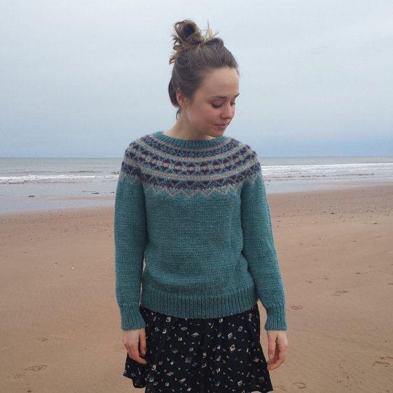 Fair Isle Sweater Hand Knit in Blue/Green Women Size Small   Yoke ...