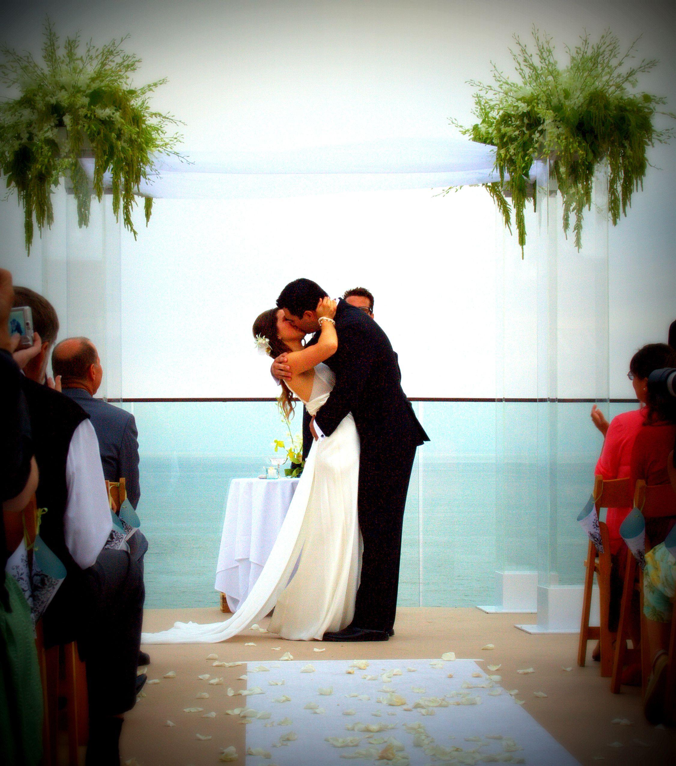 Arcylic Wedding Chuppah RentalsLucite Wedding Canopy RentalsClear Wedding Canopy Rentals & Arcylic Wedding Chuppah RentalsLucite Wedding Canopy Rentals ...