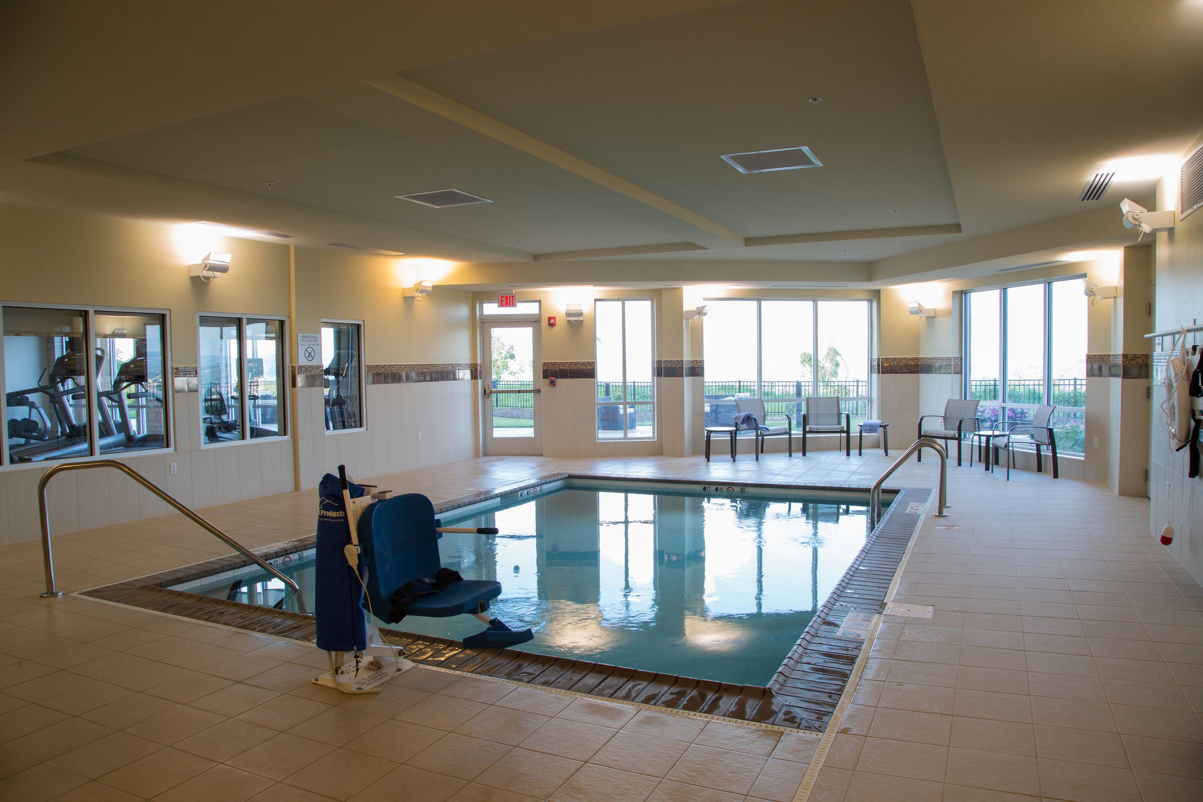 Courtyard Morgantown Indoor Pool Suite Holiday Hotels