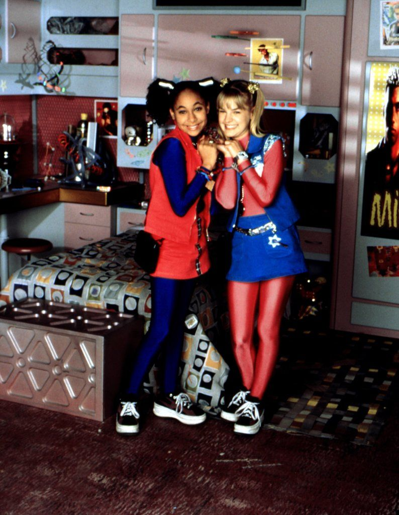 Be A 90s Girl In A 90s World This Halloween With These 33