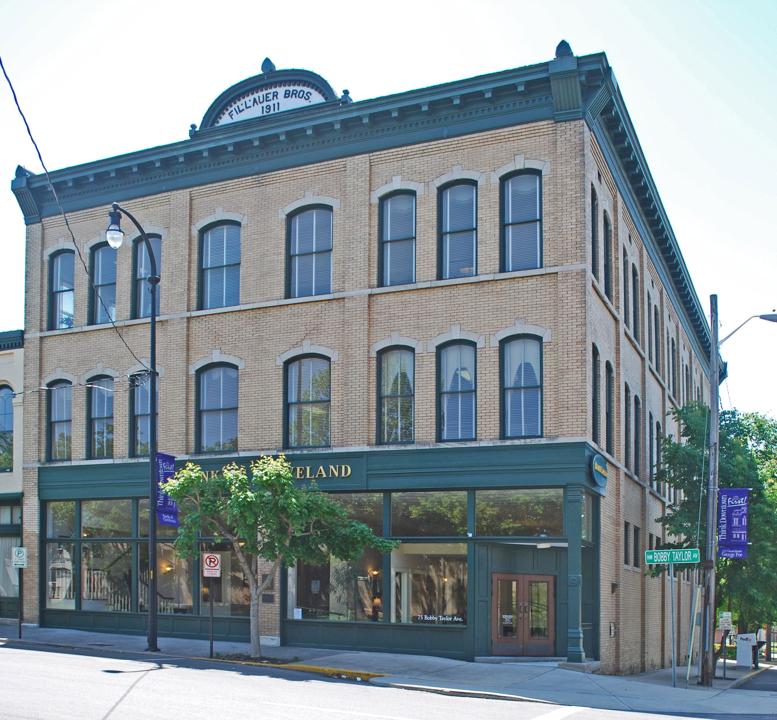 Bank of cleveland fillauer brothers building with