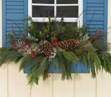 Beautiful And Creative Fall Window Box Planter Ideas (03) #weihnachtsdekohauseingangaussen