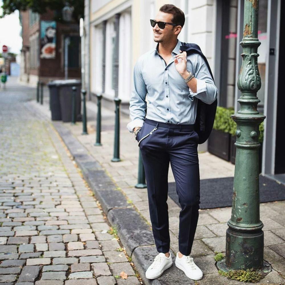 Elegante Chino Hose Kombinieren Herren Marineblau Mit Kette
