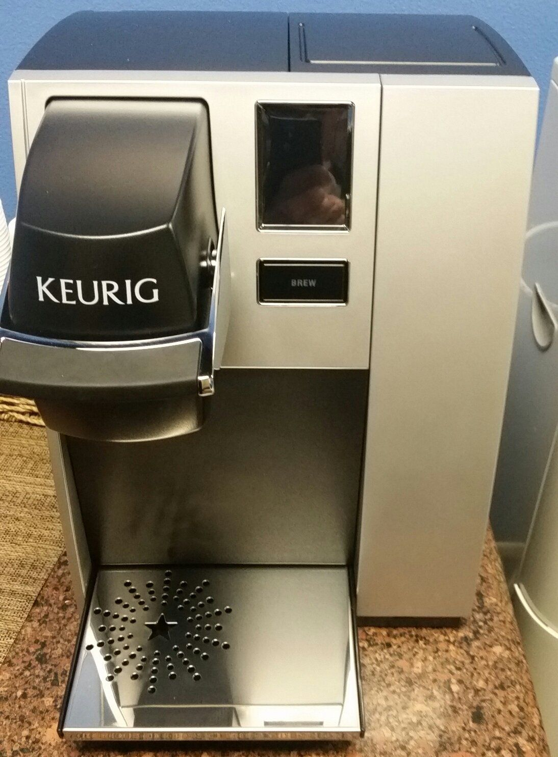 Keurig K150P Commercial Brewing System Pre-assembled for Direct ...