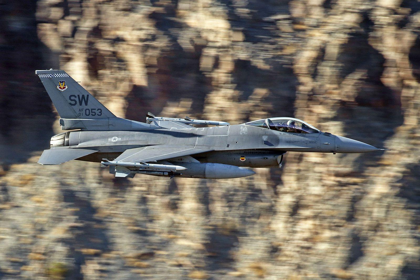 F 16C 01 7053 SW