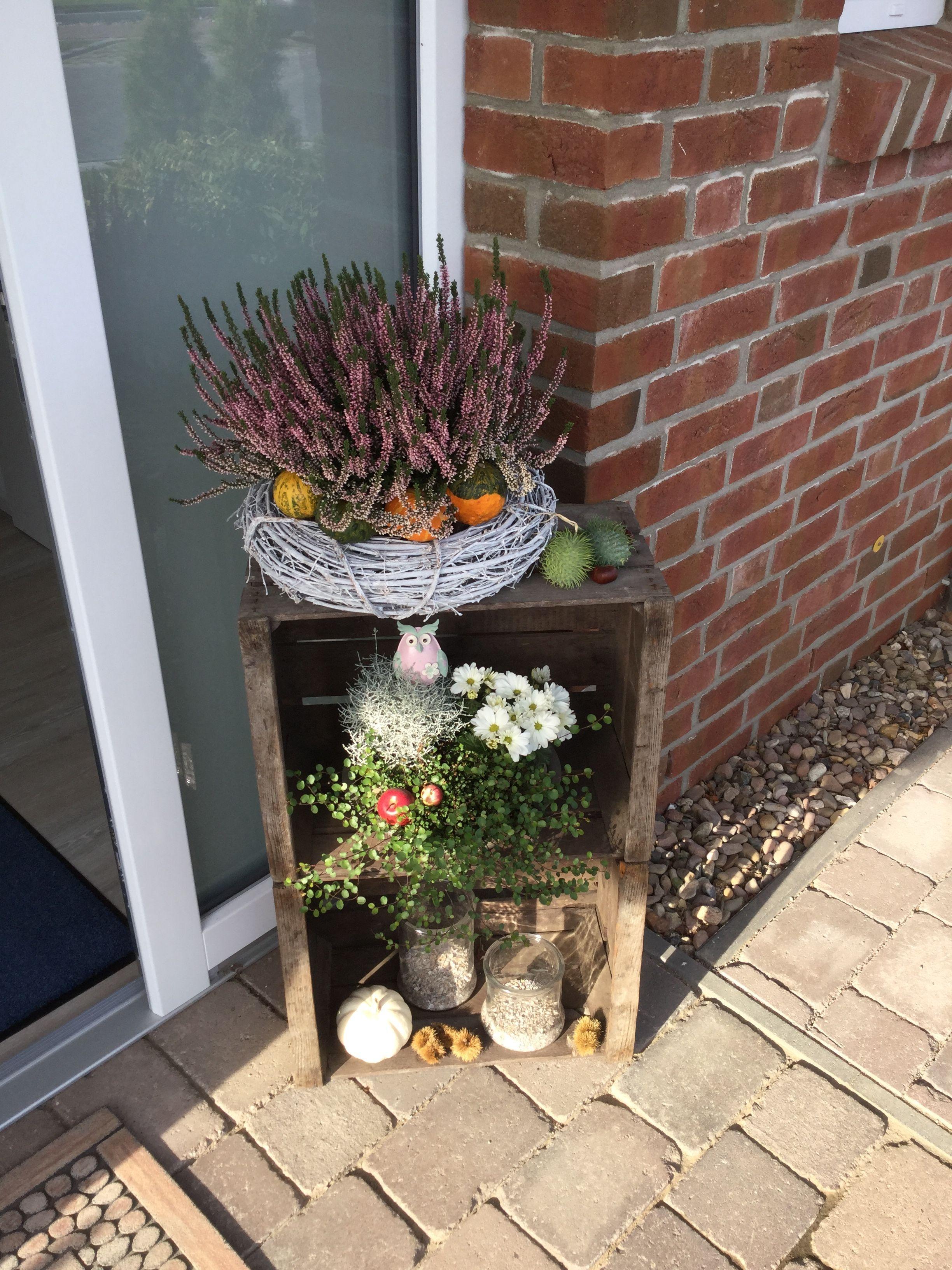 Eine einfache und schöne herbstliche Deko mit alten Obstkisten. #flowerpot