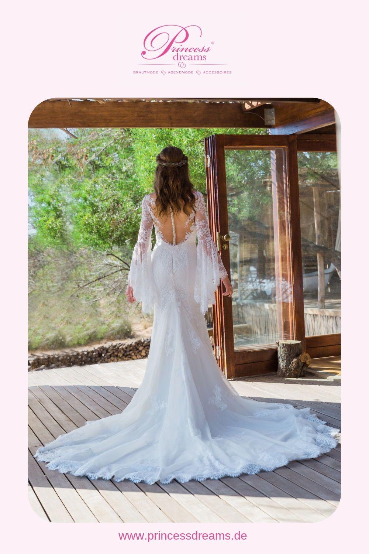 Brautkleid mit Spitze und Schleppe von Kachar Ladosa  Dieses