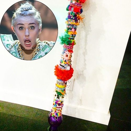miley-cyrus-with-vibrator