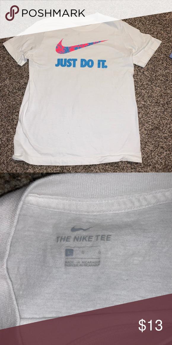 Nike Tee Nwot In 2020 Nike Tees Nike Tshirt Clothes Design