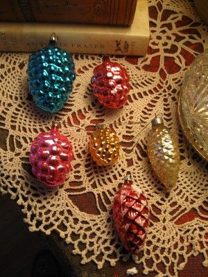 retro Christmas Tree decor Vintage Glass pine cones Christmas Ornaments