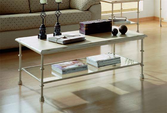 Mesa centro mod. Reja fabricado en forja con tapa de madera tambien en cristal (opcional), el color se puede cambiara a gusto del cliente