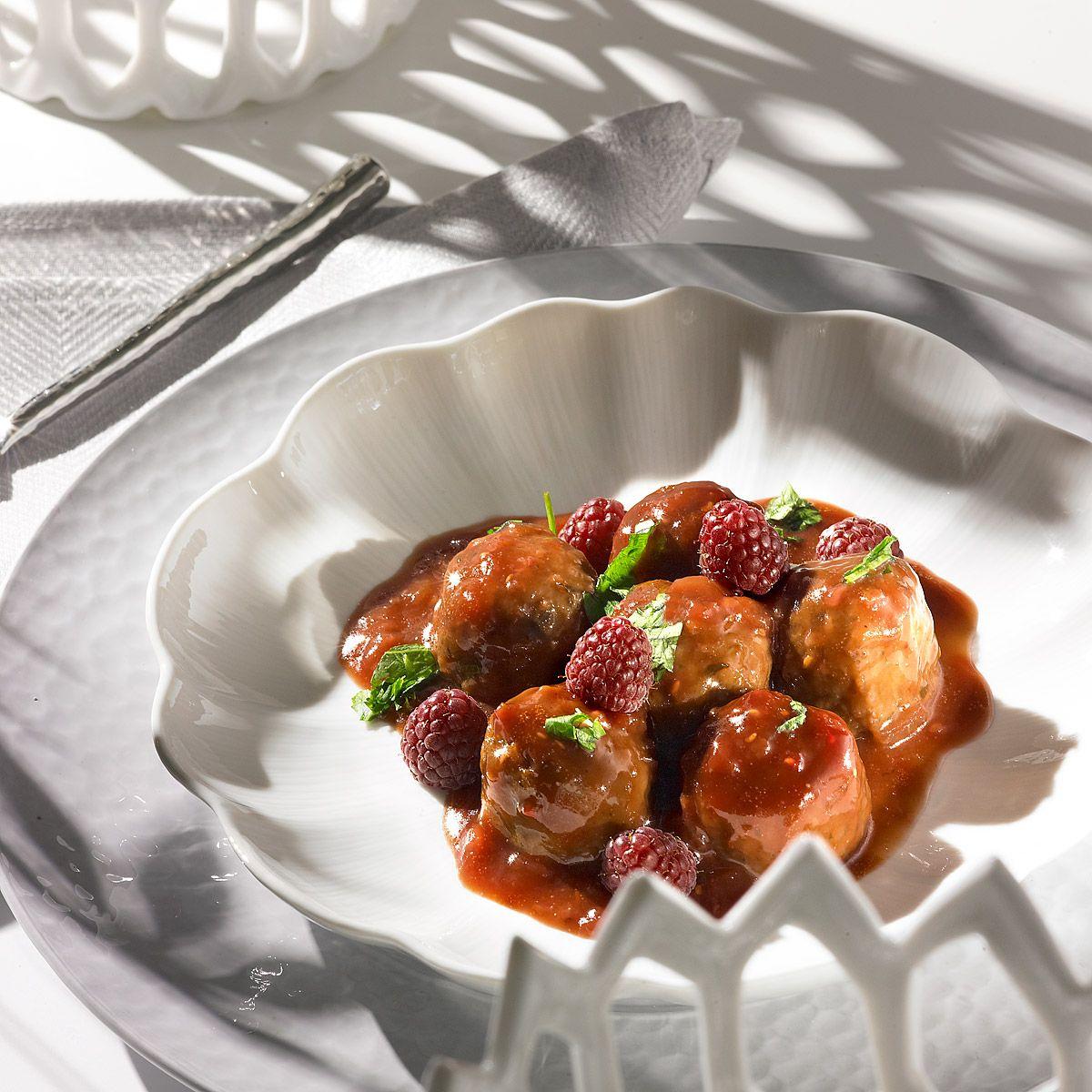 Albóndigas en salsa de frambuesa | Rezept