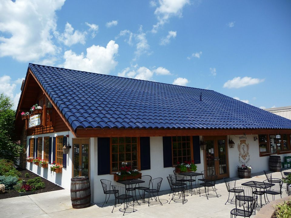 Solar shingles - Blue roof tiles - Solar energy tiled roof