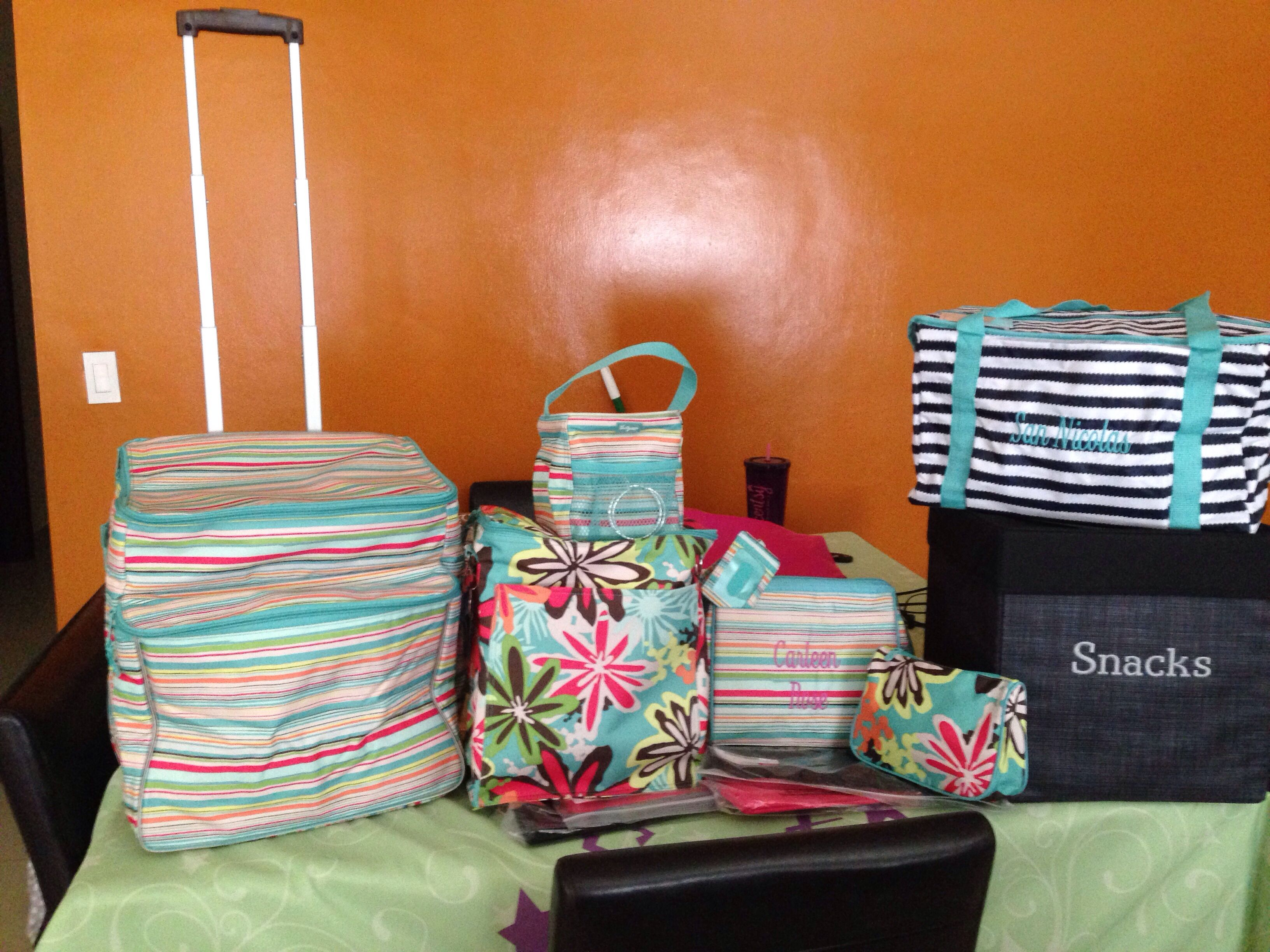 Hosted a thirty one party & got this sunny stripe making memories thermal as a hostess exclusive. Love the 1/2 offs & freebies!