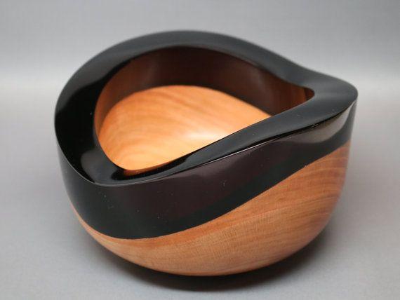 Fabriqués à la main bol en bois tourné & sculpté de cerise foncé noir sculpté résine naturelle haut - Collectible Art, contemporain, cadeau de mariage