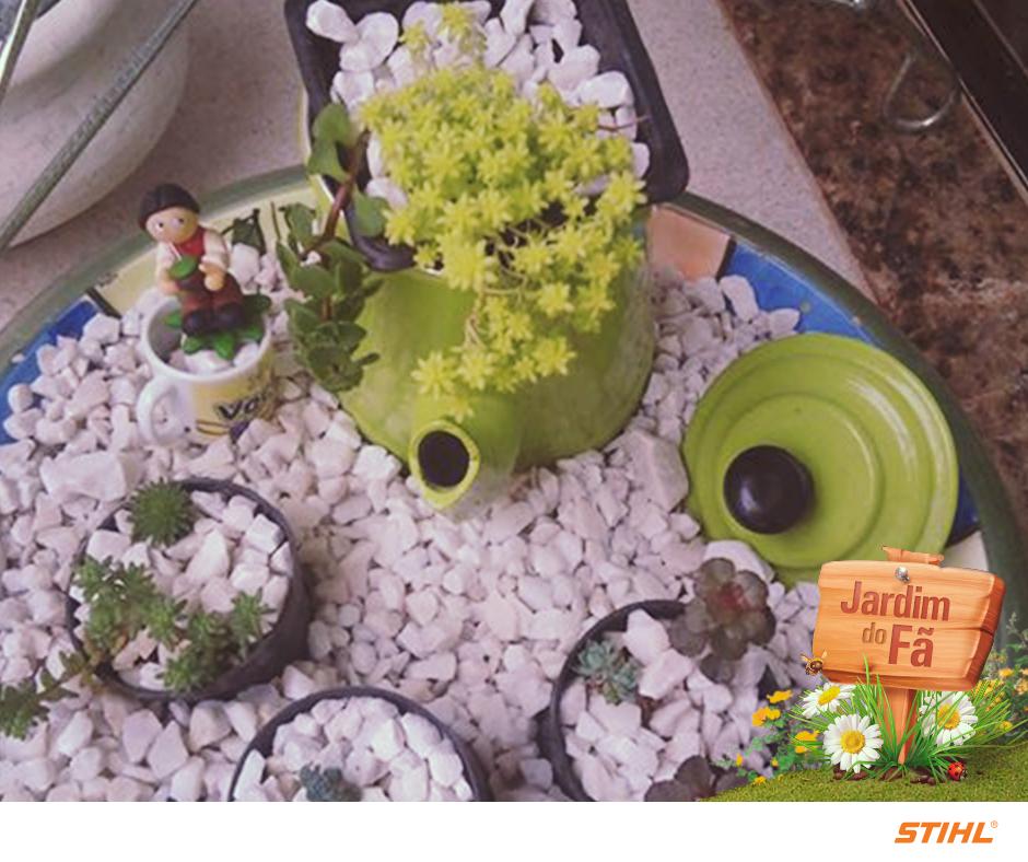 A Lucimara O FI compartilhou com a gente seu mini jardim de suculentas. Adoramos a criatividade e o cuidado com os detalhes. Você também tem um cantinho assim em casa?