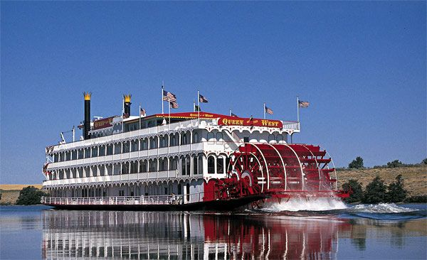 Queen Of The West Great River Boat Cruise On The