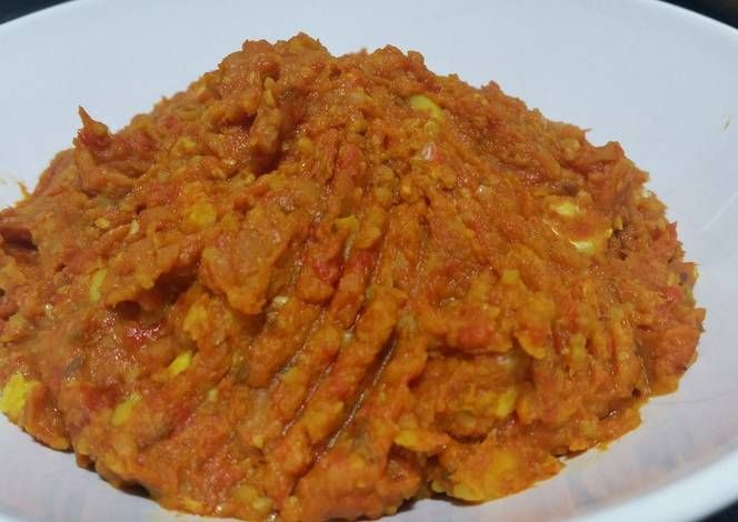 Spicy and crunchy roasted pepper and garlic hummus Recipe -  Very Delicious. You must try this recipe!