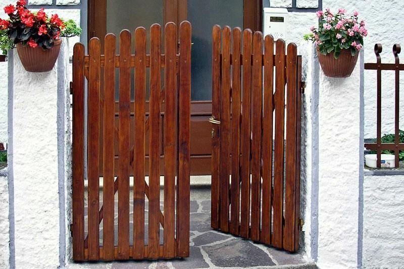 Giardino tempo libero cancello legno fai da te mania for Costruire cancello legno