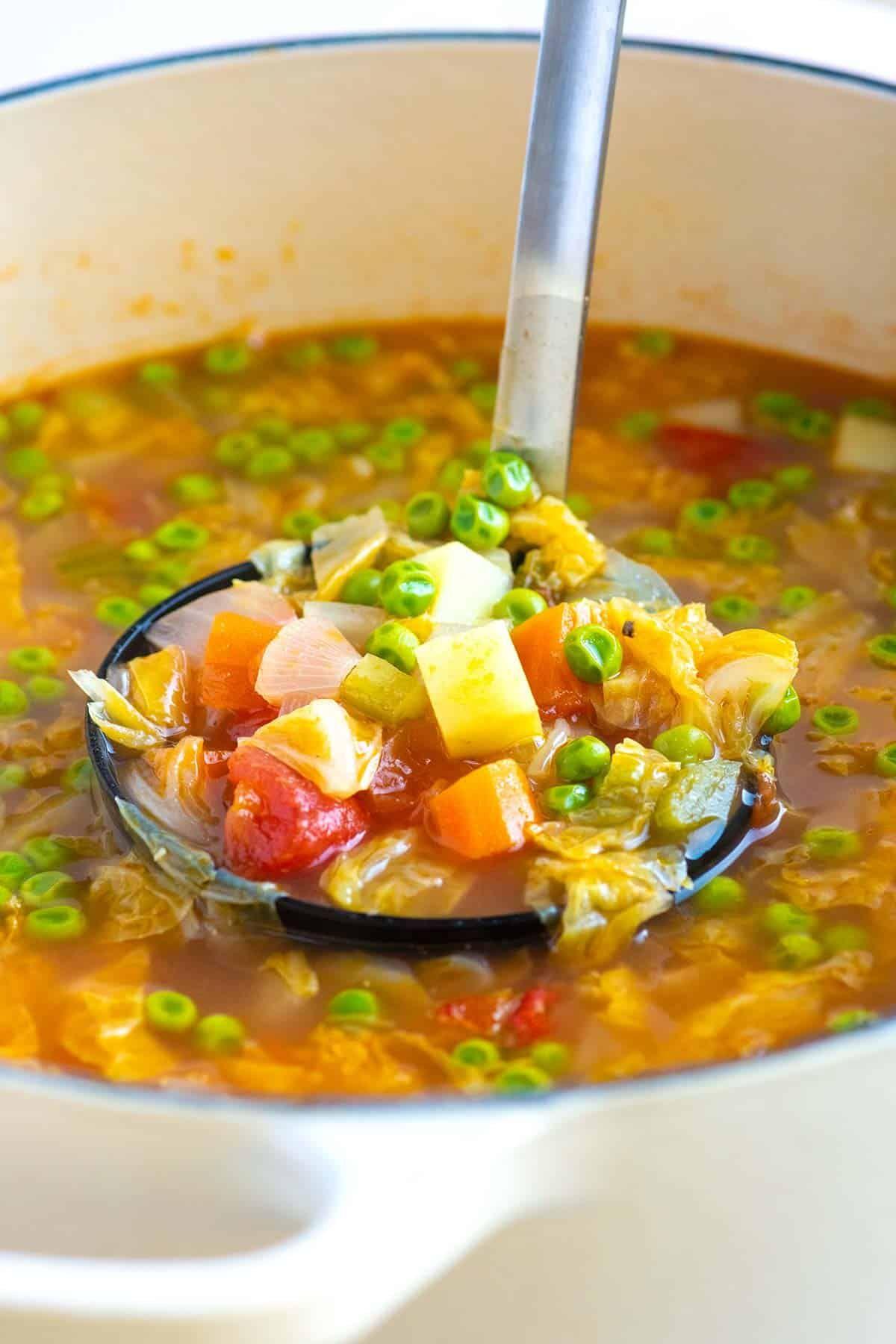 Easy Homemade Vegetable Soup Recipe Homemade Vegetable Soups Vegetable Soup Recipes Soup Recipes