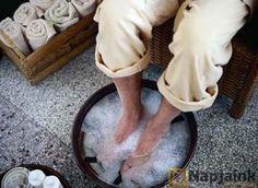 méregtelenítés lábakkal a vízben)