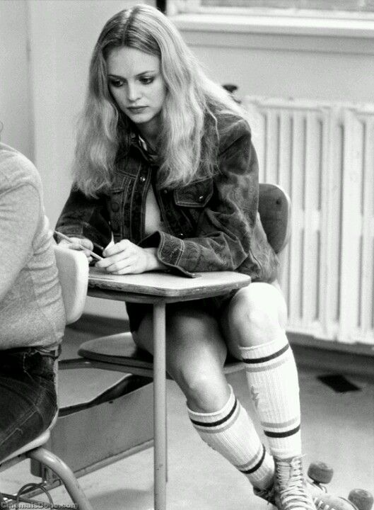 Heather Graham As Roller Girl In Boogie Nights  Film And -3213