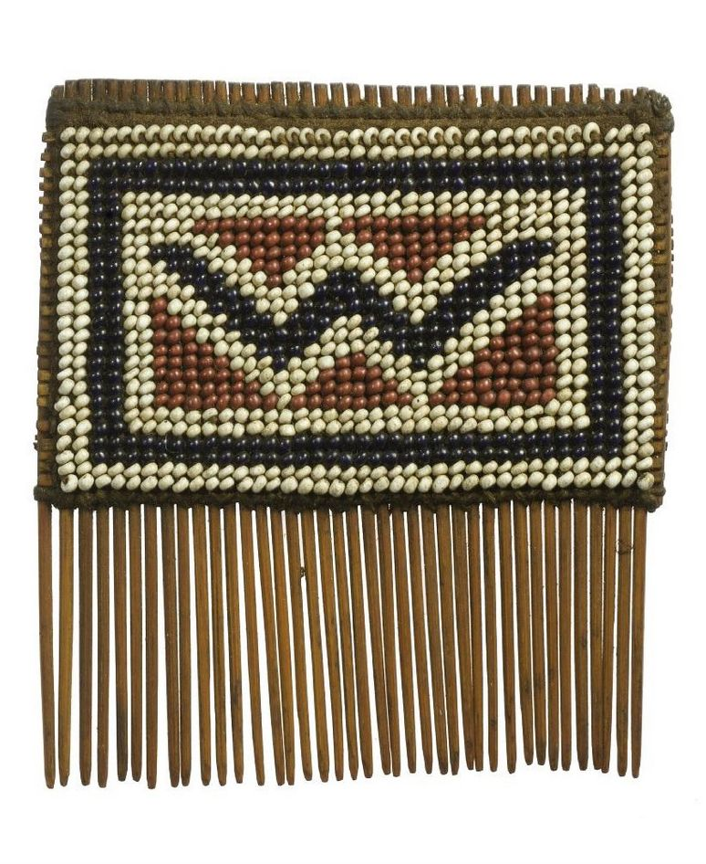 Comb from the Yao people of the Shire Highlands of Malawi | Wood and beadwork