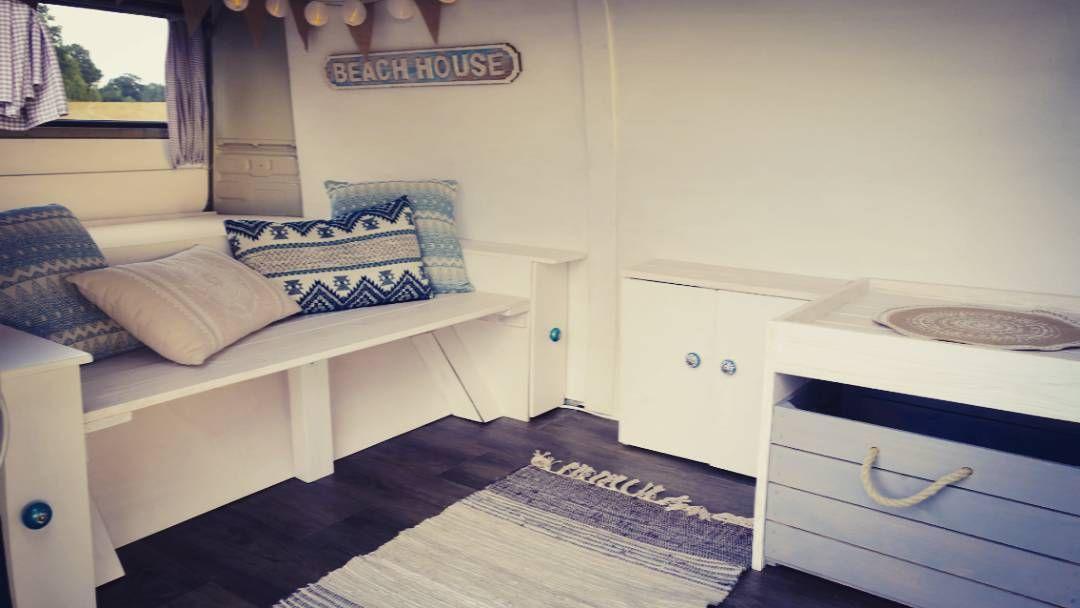 "Gefällt 3 Mal, 1 Kommentare - Bullitouren.de (@bullitouren) auf Instagram: ""Our movable beachhouse is ready 😊  #beachhouse #homeiswhereyouparkit #beachlife #campervan #vwbulli…"""