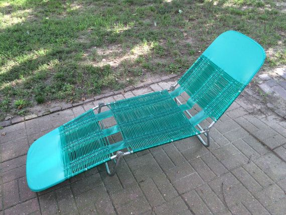 Vintage Blue Green Aluminum Tube Plastic Chaise Lounge Folding Lawn Pool  Chair