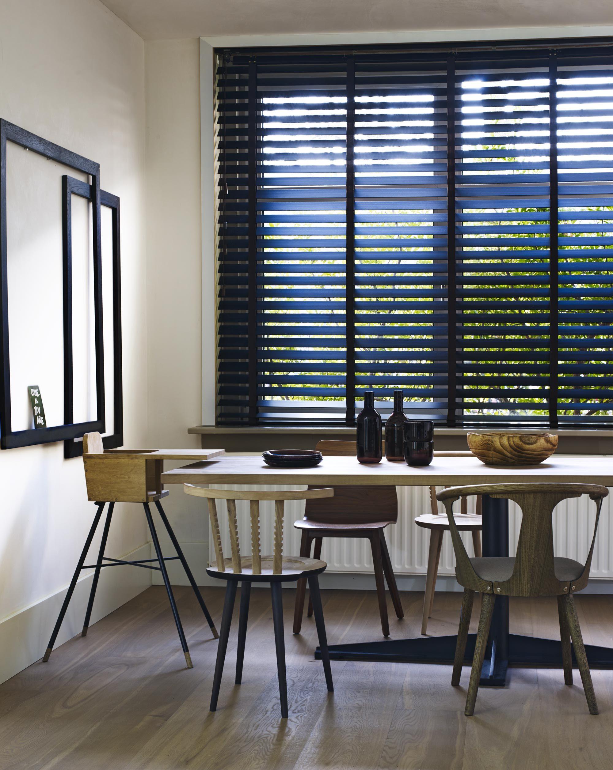 hout in huis home pinterest store venitien sur mesure volet persienne et store venitien. Black Bedroom Furniture Sets. Home Design Ideas