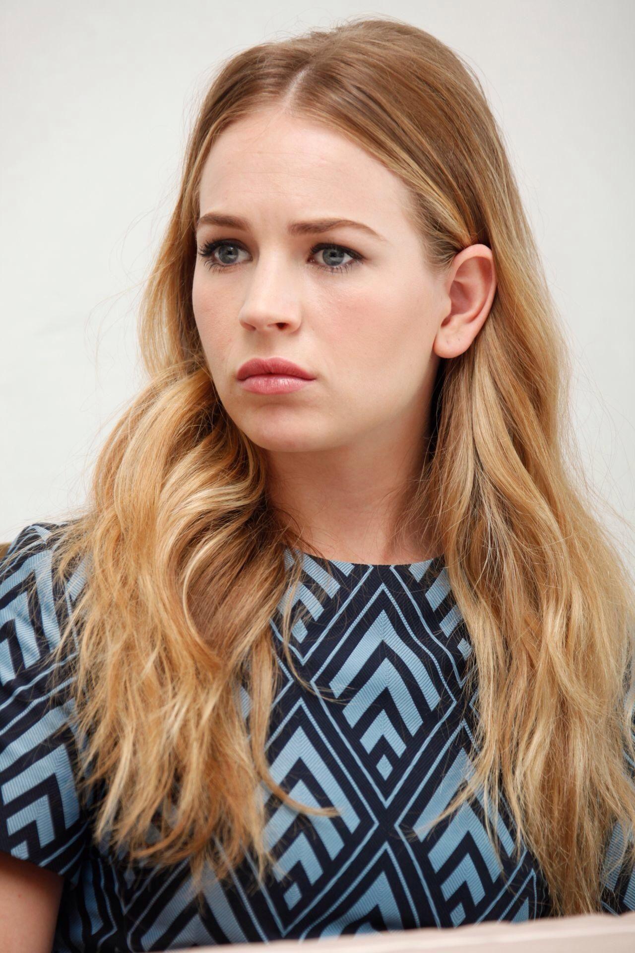 Watch Evelyn Scott (actress) video