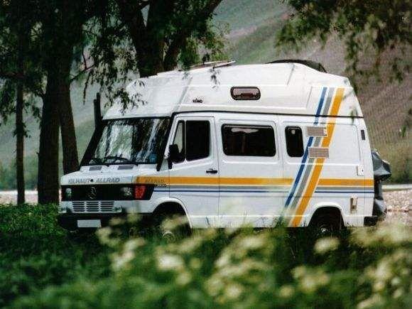 Pin By Ufuk Dogan On Karavan Mercedes Camper Mercedes Camper Life