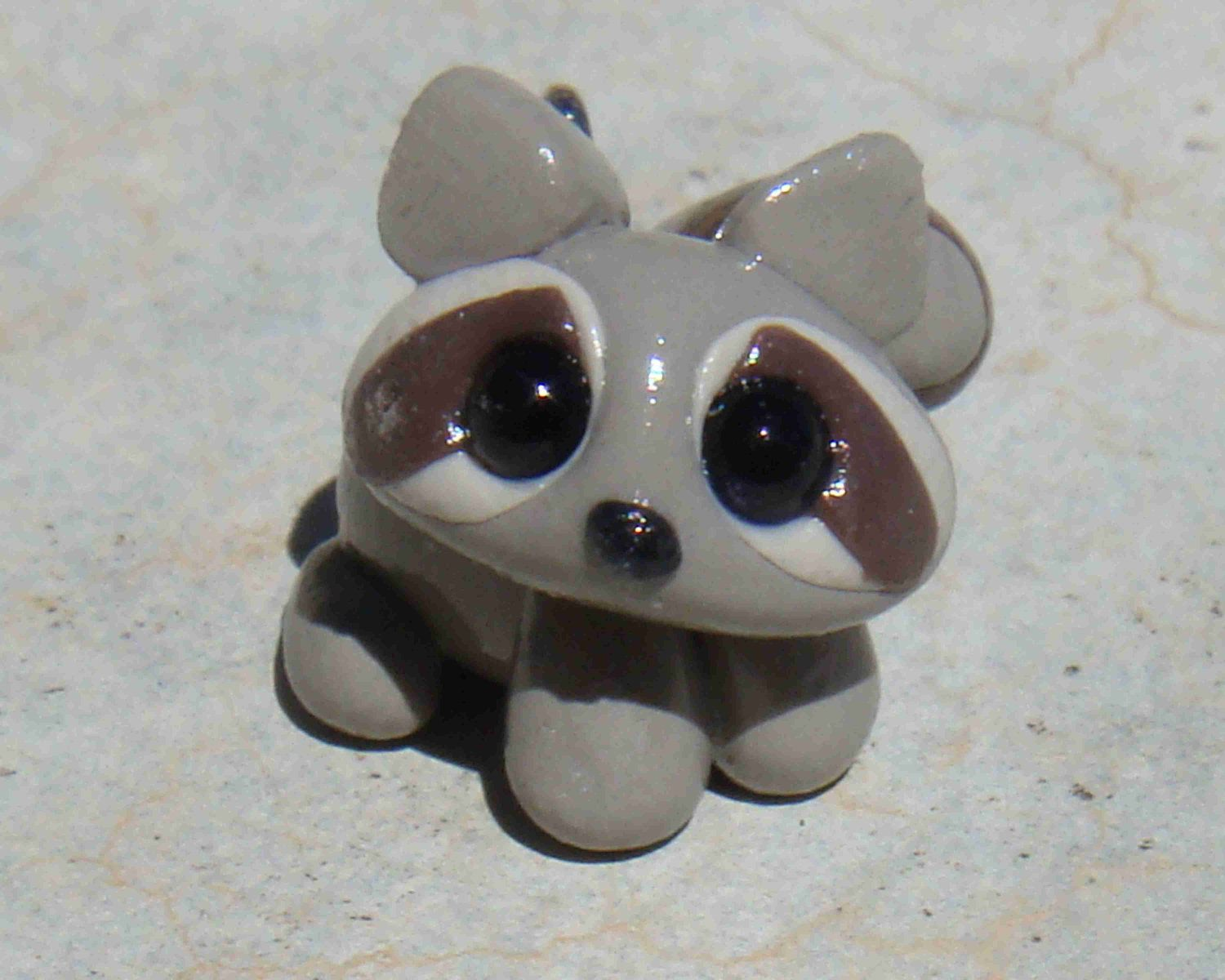 Tiny Clay Raccoon- polymer clay | Polymers, So cute and ...