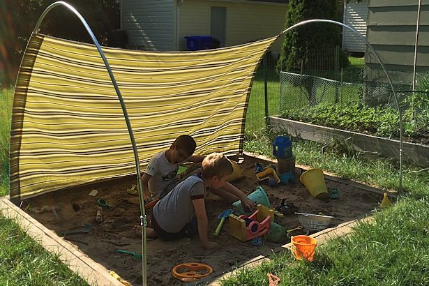 Diy Outdoor Canopy So Smart You Can Adjust The Canvas