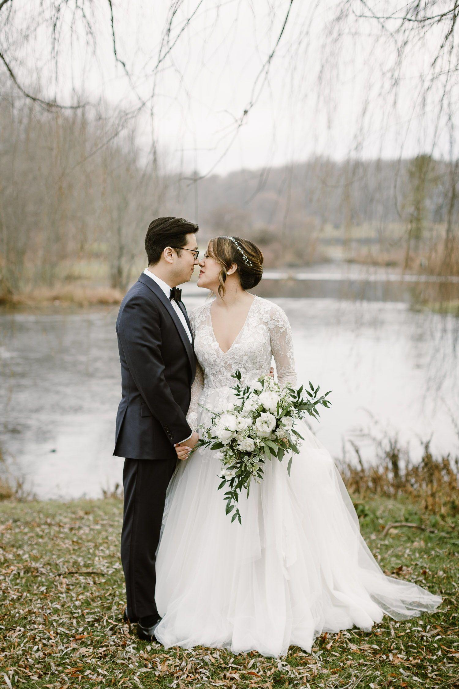 The Garrison Wedding Hudson Valley Wedding Photographer In 2020 Hudson Valley Wedding Hudson Valley Wedding Photographer Winter Wedding Photos
