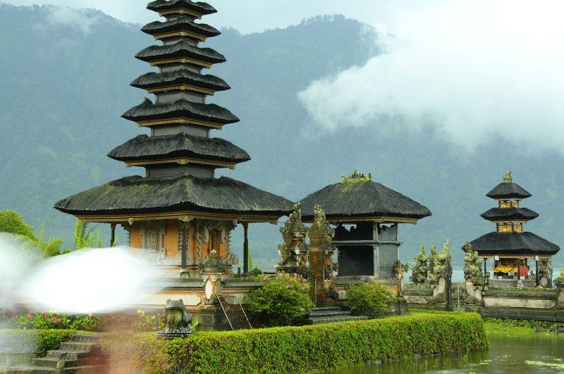 Pura Ulun Danu en Bali - http://vivirenelmundo.com/pura-ulun-danu-en-bali/4677