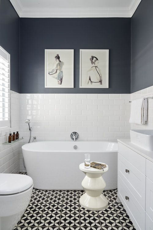Half wall blue on bottom were towel rack is rest of wall full blue rachelsanchez - io.net/decoration