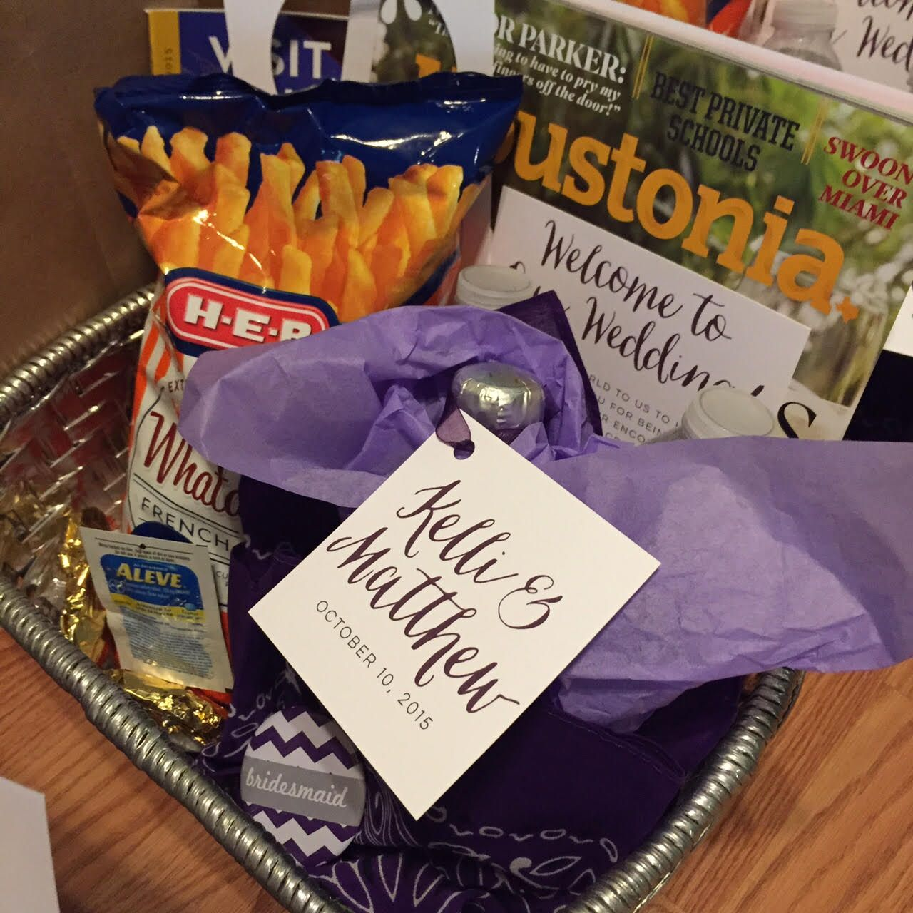 Your wedding bags for a grand getaway today s destination wedding - Houston Texas Themed Welcome Bags For Our Wedding Hotel Guests Houstoniamag Harperhall2015