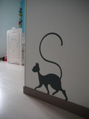 Un #Stickers #chat court dans la #chambre après les petites #souris / #Déco / #Enfant / #Bébé / By Atelier de la Libellule à Lunettes