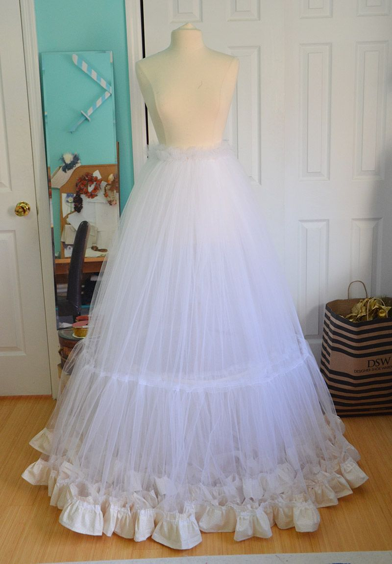 1c6eb66553a93 Making a Ruffly Petticoat | costuming | Sewing clothes, Sewing, Hoop ...