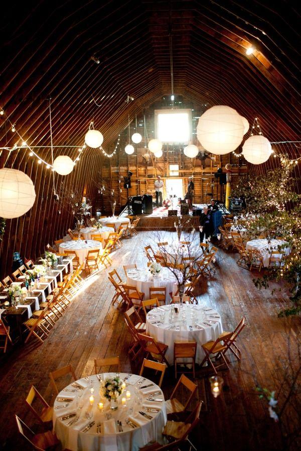Classic Barn Wedding in Charlottesville, Virginia