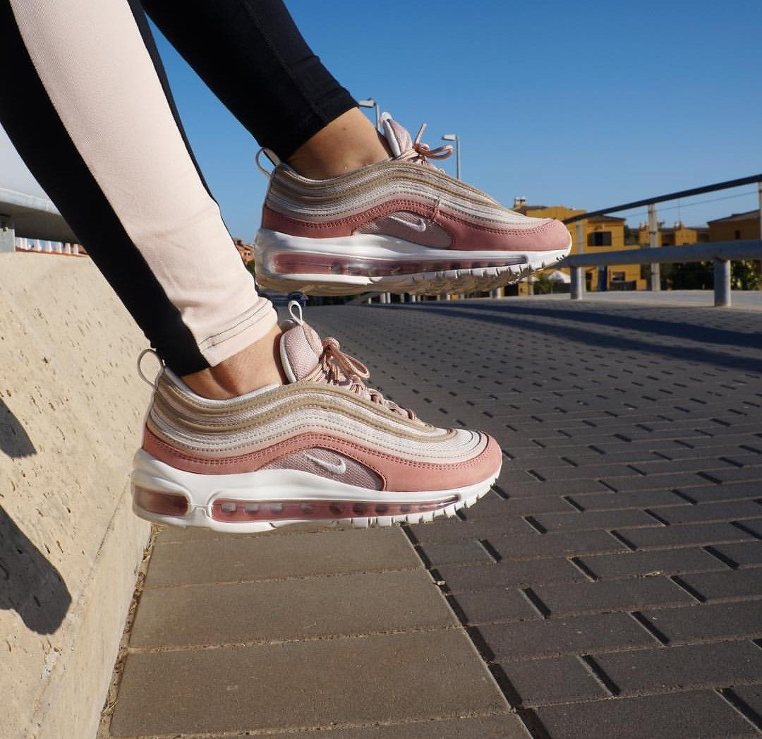 new style 41909 0f2a6 Nike Air Max 97 in rosé-white    Foto  gloria m.fer  Instagram