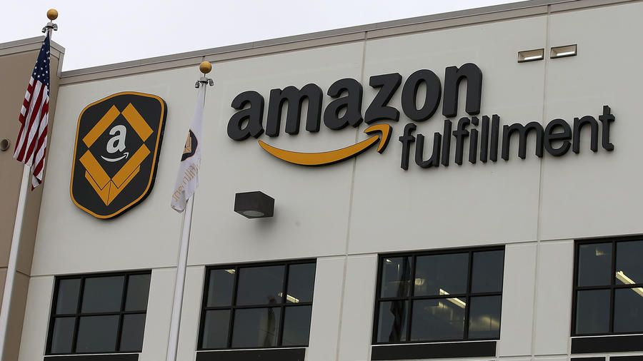 Amazon S Joliet Warehouse 1 000 Jobs Up To 10 Years Of State Tax Breaks Amazon Fulfillment Center Work Culture Machine Learning Platform