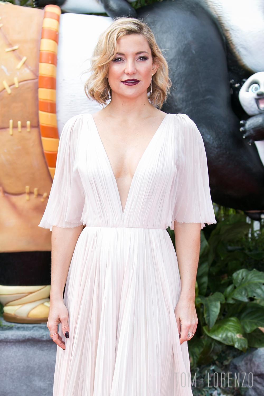 Kate-Hudson-Kung-Fu-Panda-2-Movie-Premiere-Red-Carpet-fashion-J-Mendel-Tom-Lorenzo-Site (1)